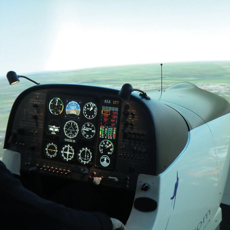 simulateur vol avion biplace tourisme tableau bord lorraine metz