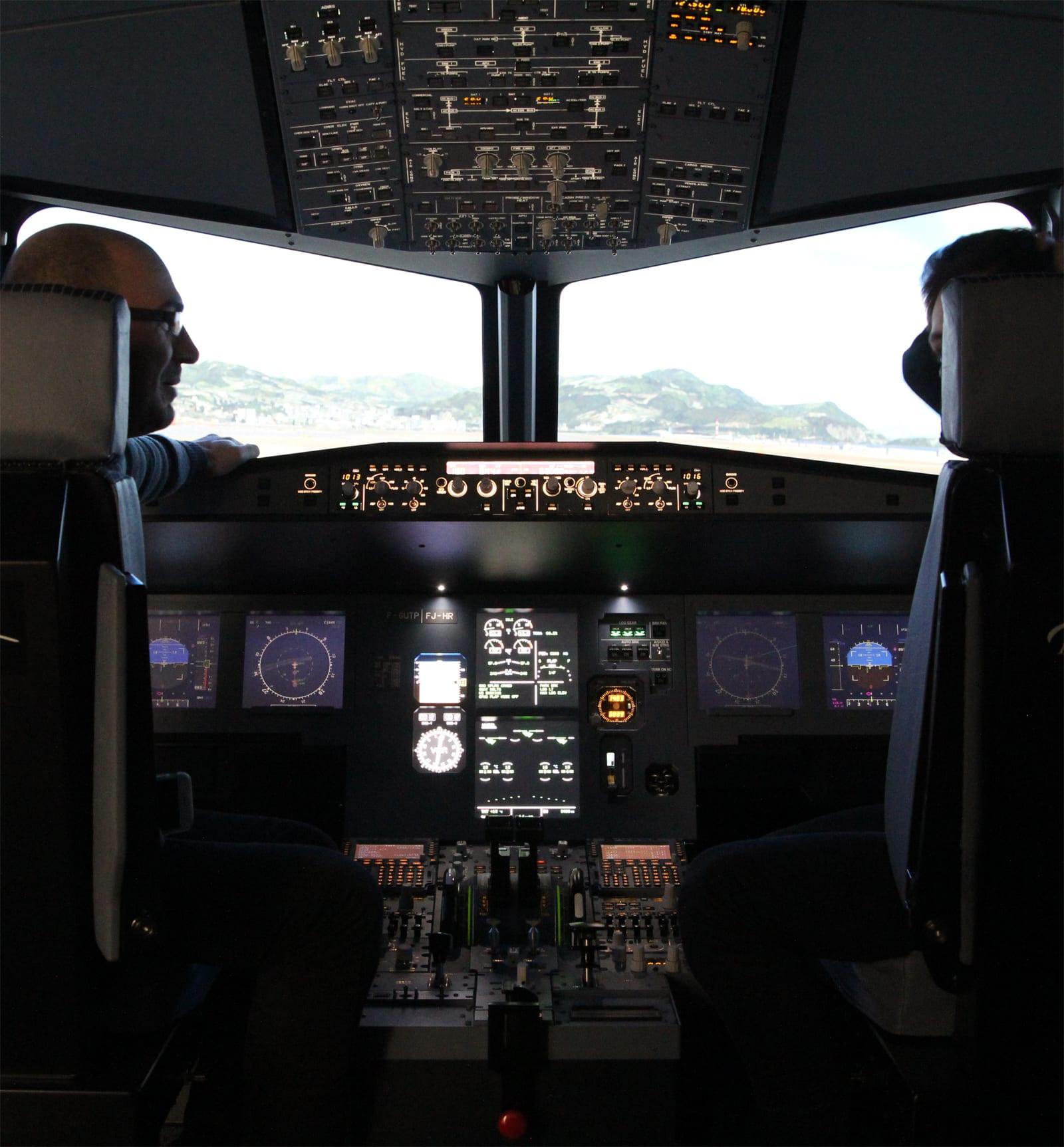 simulateur-vol-avion-ligne-pilote-femme