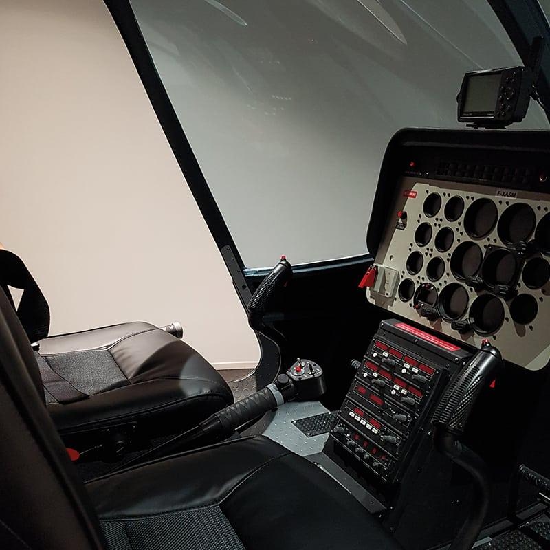 simulateur vol helicoptere bell poste pilotage lorraine metz